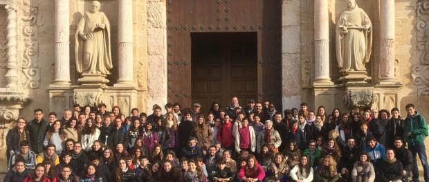Més d'un centenar d'adolescents i joves en el Recés diocesà d'Advent a Poblet