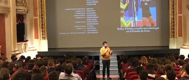 Més nou-cents alumnes participen en l'activitat del cinema espiritual 2019